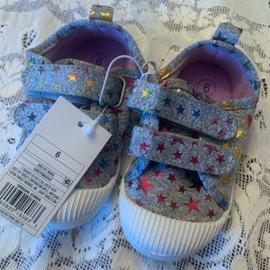 New with tags toddler size 6 star shoes